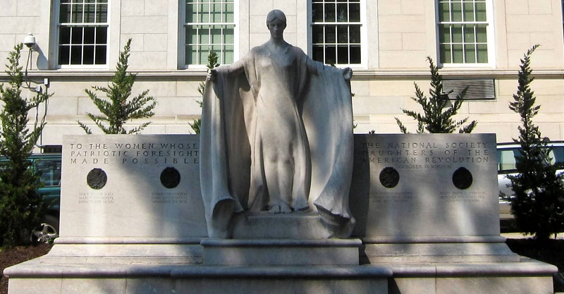 "1929 marble sculpture by Gertrude Vanderbilt Whitney honors the four founders of the DAR. ""Image  by AgnosticPreachersKid. Licensed under CC BY-SA 4.0 via Wikimedia Commons."