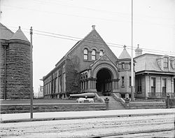 A picture of the museum prior to the construction of the Ogden Museum of Southern Art.