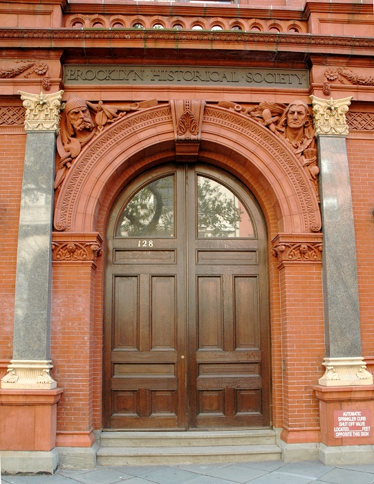 Brooklyn Historical Society entrance. Image by The Squirrels. Licensed under CC BY-SA 3.0 via Wikimedia Commons.