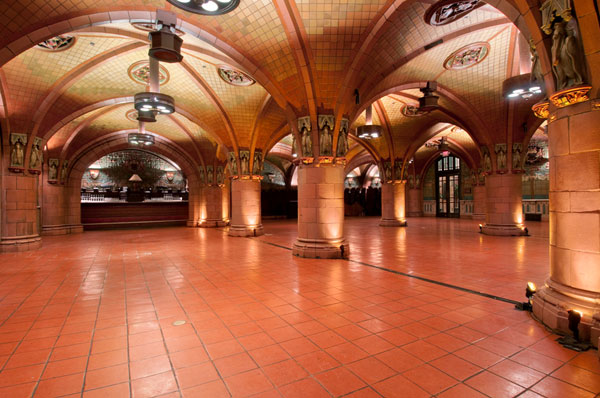The Seelbach's Bavarian-style Rathskeller (a German word for a subterranean barroom) is decorated with rare Rookwood Pottery.
