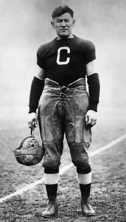 Jim Thorpe in era football uniform.