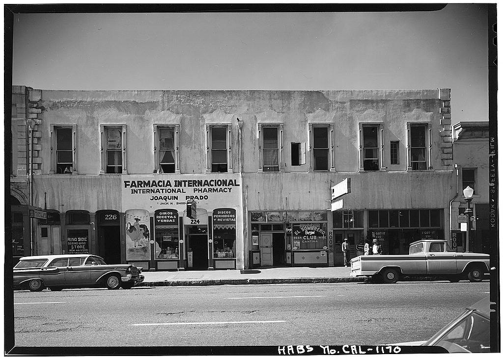 The much-dilapidated structure in 1962, now bereft of the 1879 architectural flourishes. It would be disassembled and moved 4 years later as part of a large-scale redevelopment of the entire neighborhood.