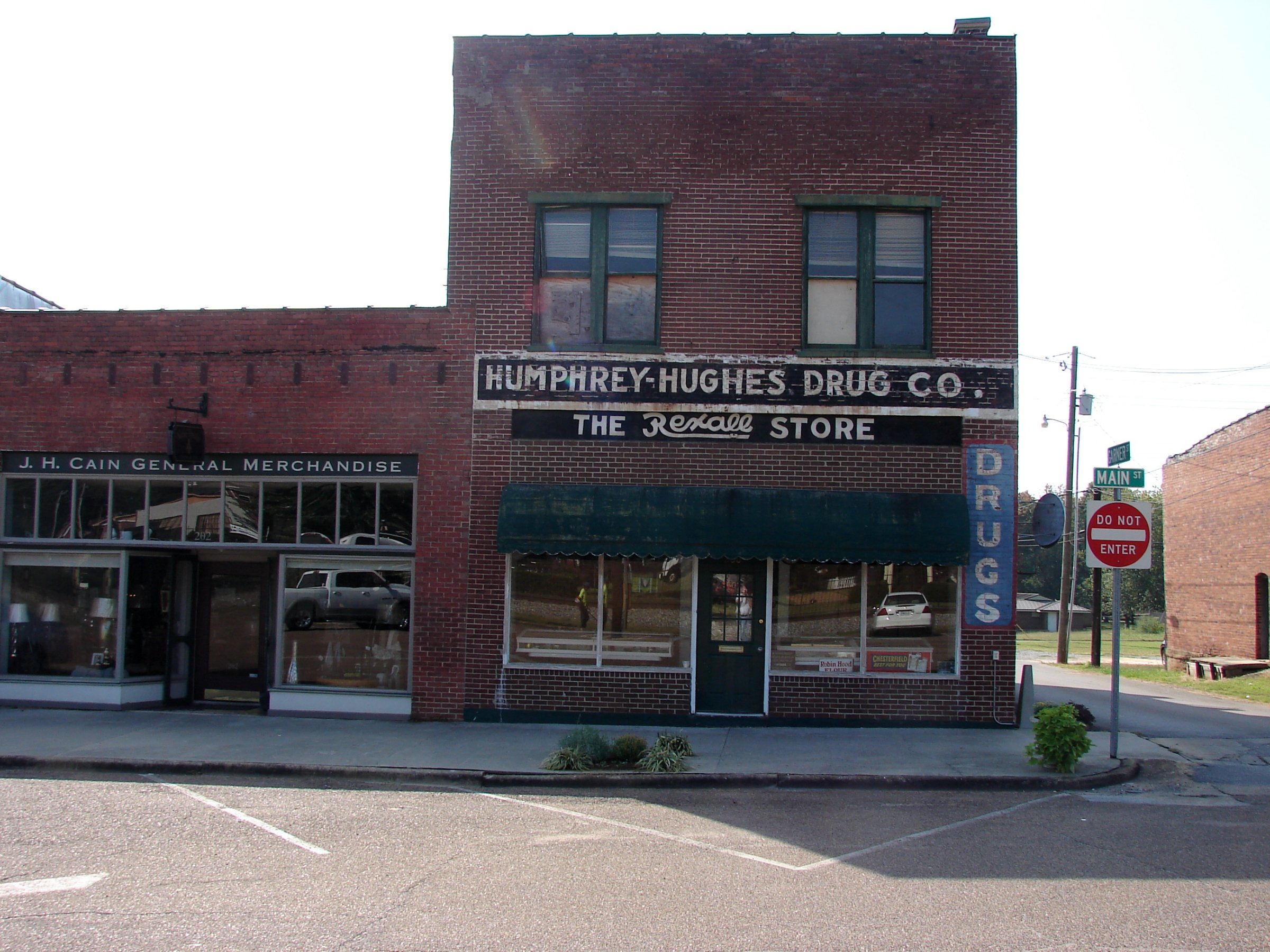 200 Main Street - Humprey Hughes Drug Co
