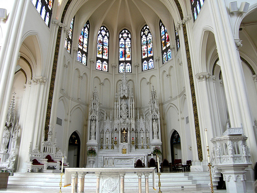 Inside view of the stained glass and internal architecture that characterize this beautiful church.