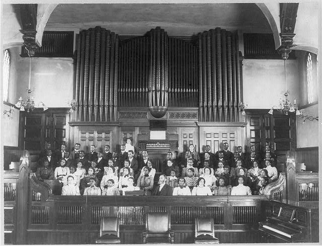 1899 photograph of choir and pipe organ inside Fisk Memorial Chapel, displayed at 1900 Paris Exhibition