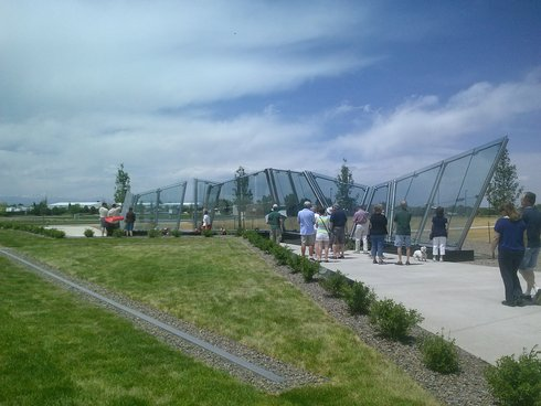 The full span of the memorial.
