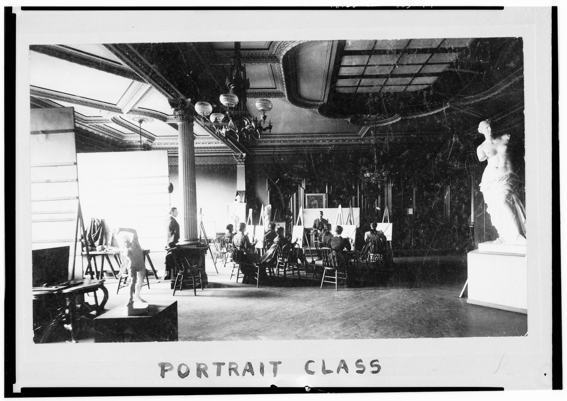 A photo from around 1910 depicting art classes at the Crocker Museum. The tradition continues today with art classes held in the Teel Family Pavilion studios. Library of Congress.
