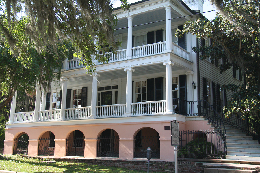 A front view of the Maxcy-Rhett House in Beaufort, South Carolina.