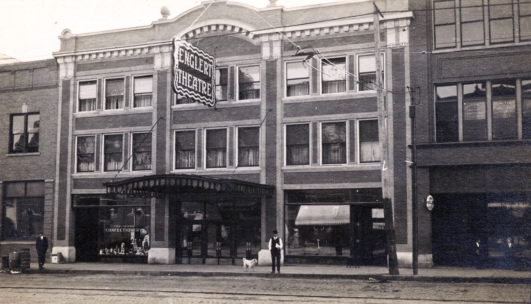 The theater as it looked in 1912
