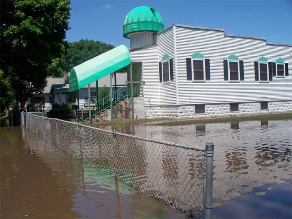 The mosque during the flood