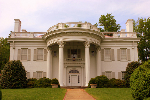 Allandale is a modern adaptation of an antebellum mansion featuring Georgian architecture