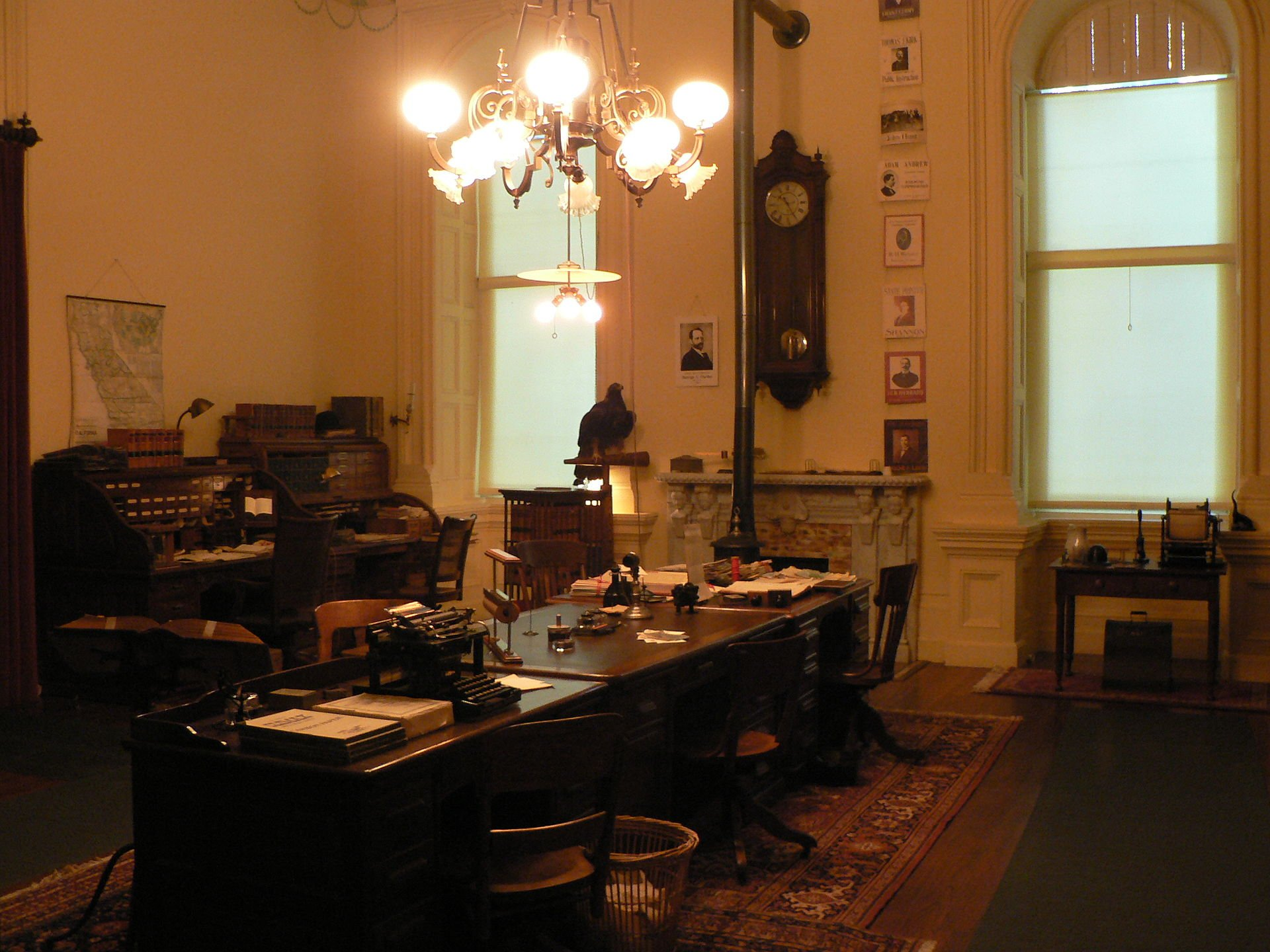 A number of historic rooms were set aside as museum exhibits during the Capitol's restoration in the 1970s and 80s. The California Secretary of State's office, for example, was restored to look as it did in 1902. Wikimedia.