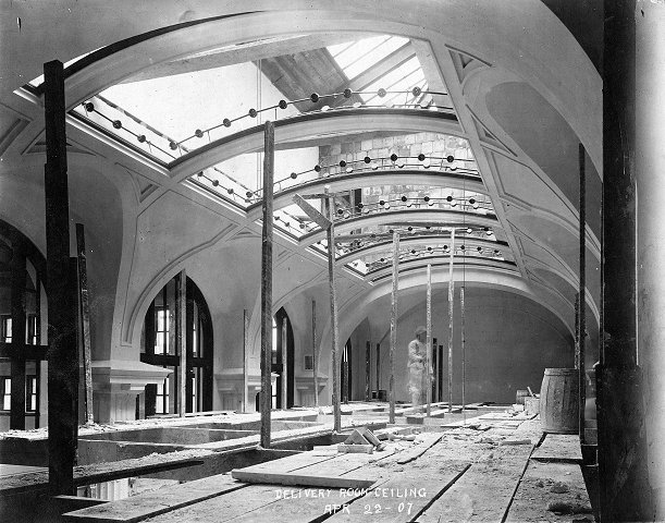 The Delivery Room ceiling under construction in 1907 (image from the LFPL)