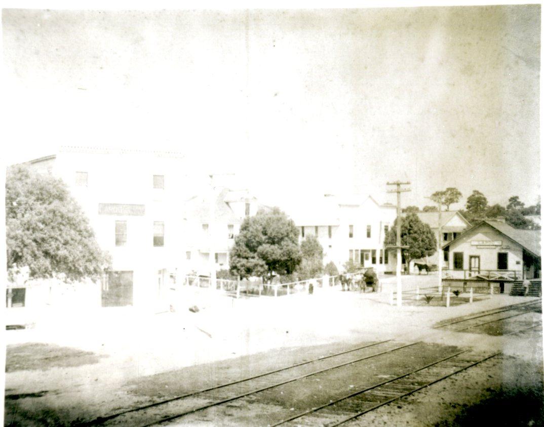 Largo Depot, far right, and tracks, Largo, Florida, undated.