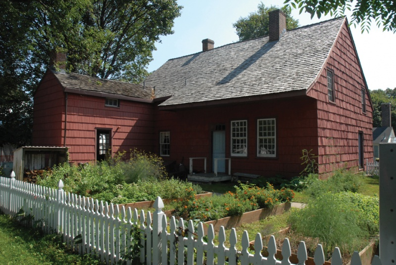This site has been operated as a farm since 1697 and this restored farmhouse dates back to 1772.