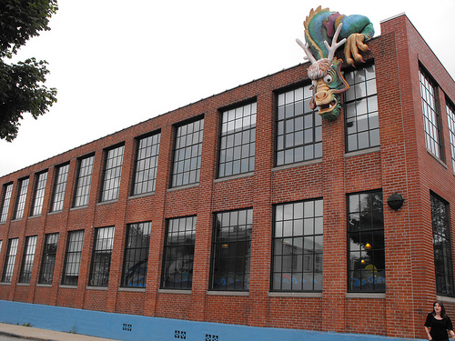 Other side of the building, with the head of the dragon visible
