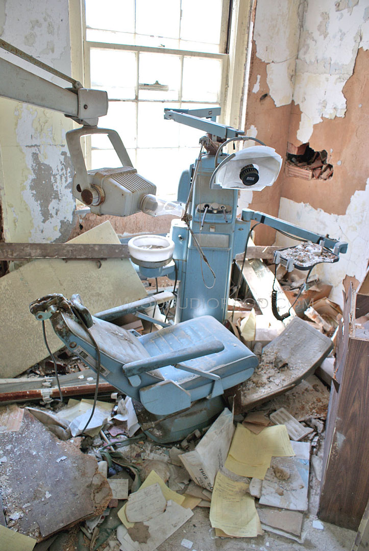 abandoned dentist's office in Forest Haven Asylum