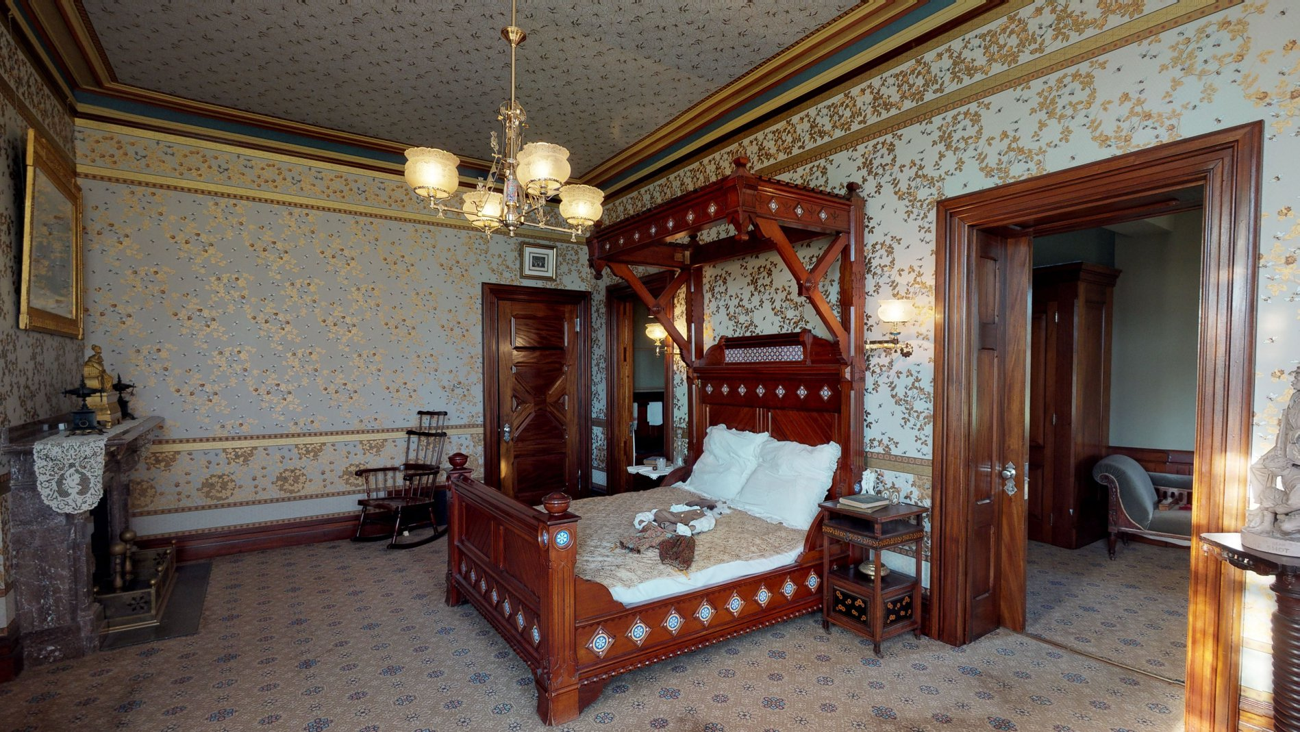 The Mahogany Room: The guest suite, that served as a green room for theatricals and Mrs. Clemens wrapping area for her charities