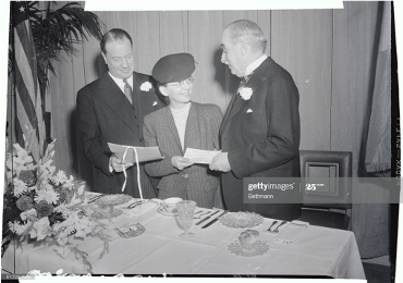 Dr. Seibert receiving the $1,000 Gimbel Philadelphia Award for 1945.