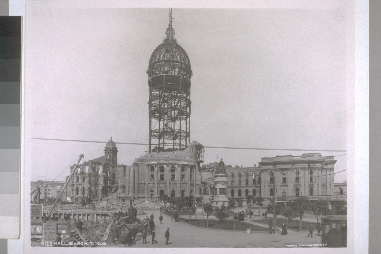 San Francisco's original City Hall after the 1906 earthquake (UC Berkeley, Bancroft Library).