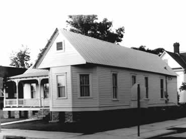 Older photograph of Arna Wendall Bontemps House.