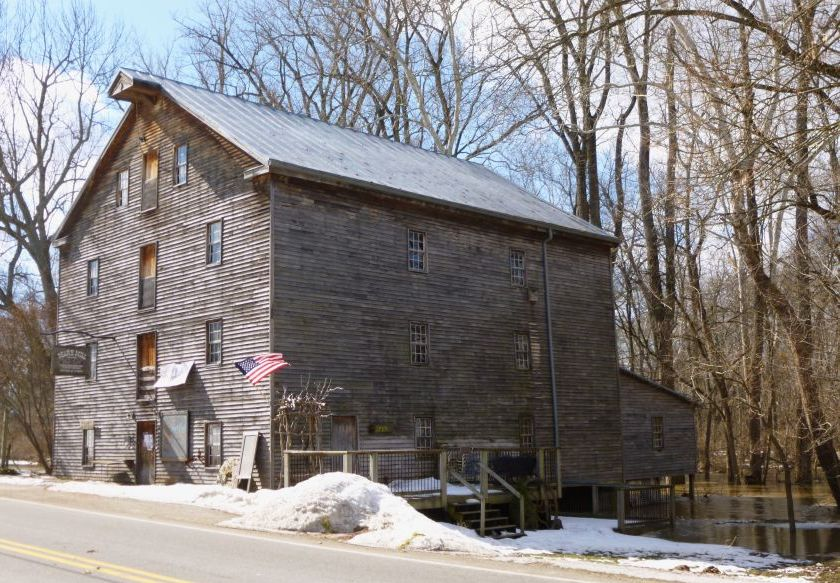 Exterior view of Bear's Mill