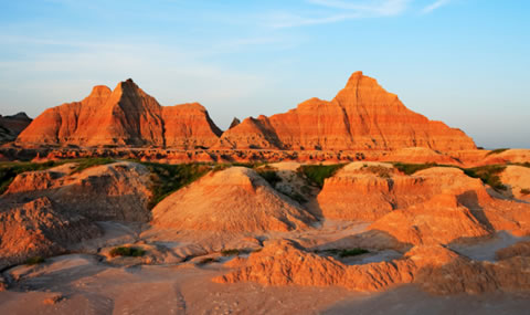 A picture of the beautiful peaks of what they call The Wall. These are what span across the South Dakota plain where the Badlands National Park is located.