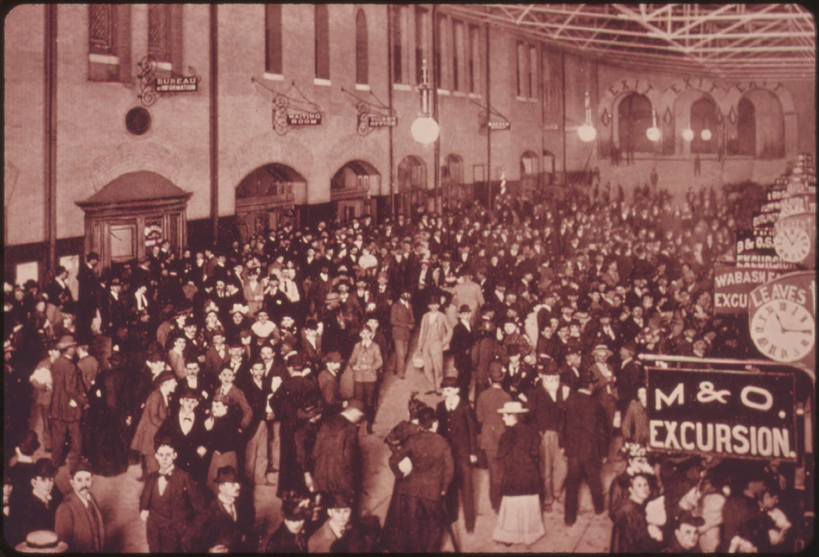 The Midway of Union Station in its early heyday
