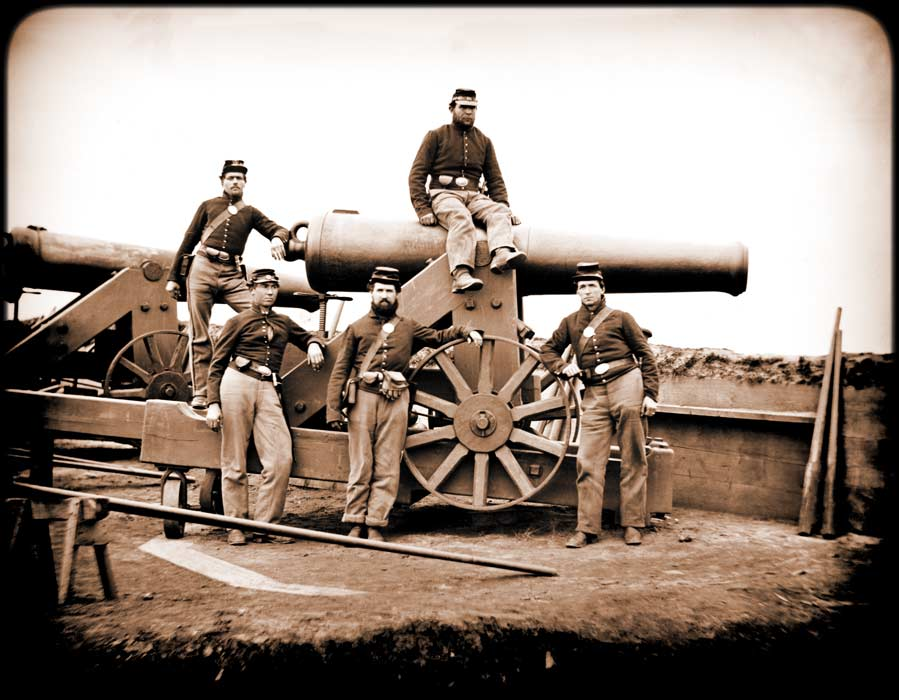 A 32-pounder cannon similar to those employed by Confederates at Sewell's Point.