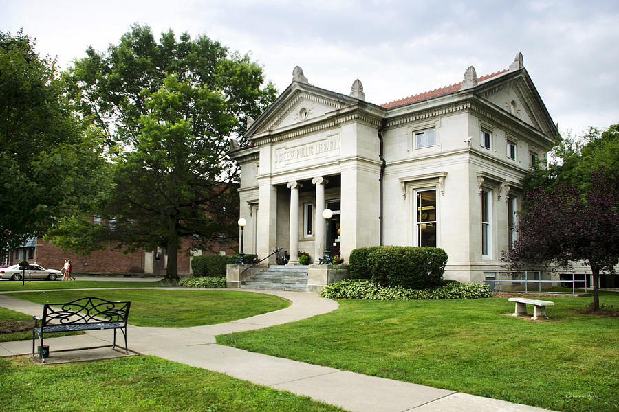 Moore Memorial Library in present date