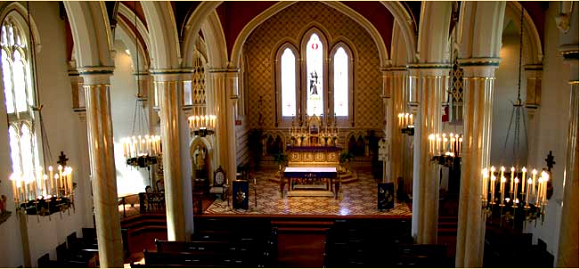 The church was designed in the Greek Revival style.