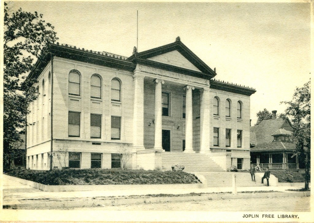 Joplin Carnegie Library shortly after completion