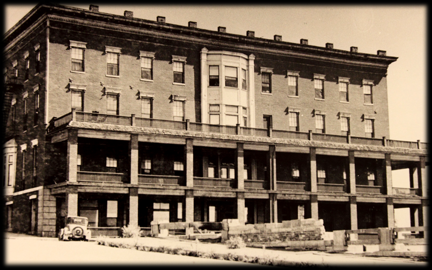Historical photo of the Planters Hotel