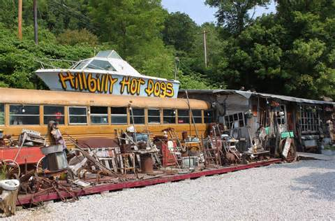 Hillbilly Hotdogs school bus, courtesy of ohiobudd.blogspot