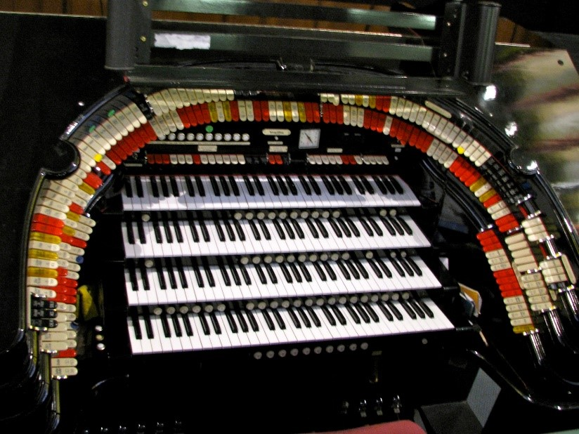 The Mighty Wurlitzer organ.