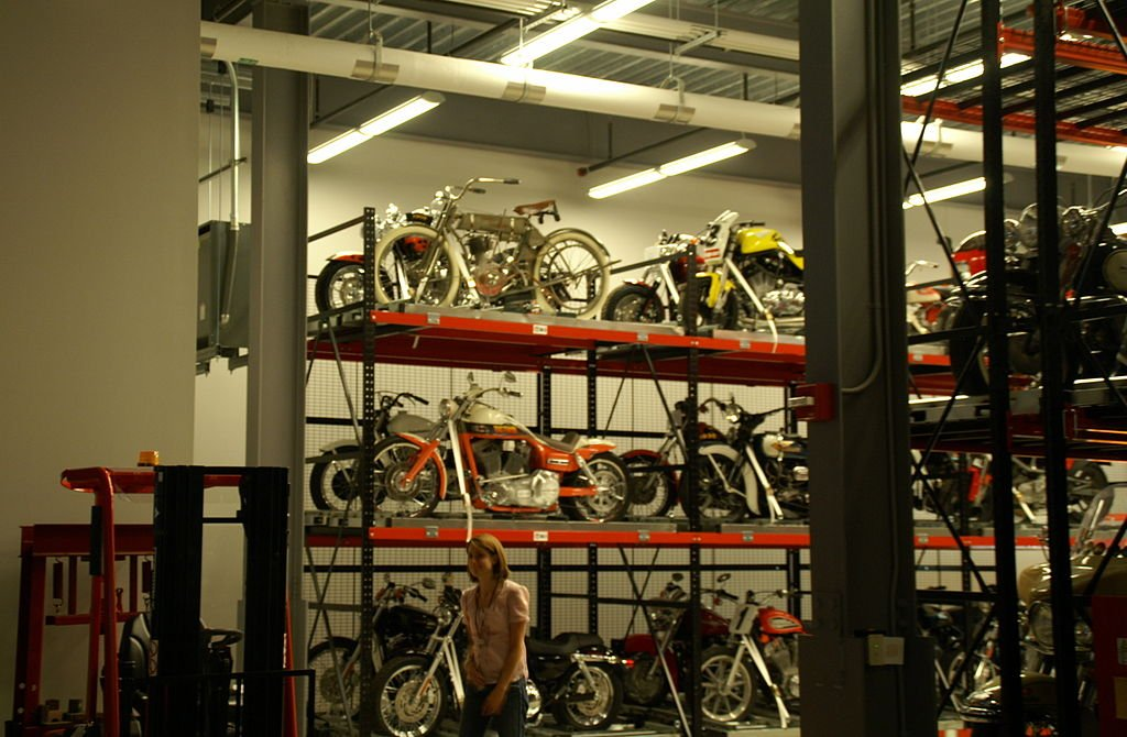 The museum exhibits change throughout the year thanks to an archive of historic motorcycles.