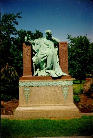 Statue of Marshall Field at his grave in Graceland Cemetery