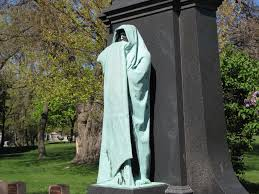 Eternal Silence statue at the grave of Dexter Graves in Graceland Cemetery