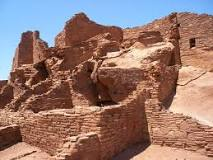 The Wupatki Pueblo was three stories tall and had over 100 rooms. It is estimated that 300 people lived in the building.