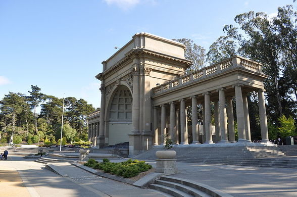 Spreckels Temple of Music, featuring a dome-shaped bandshell flanked by colonnades