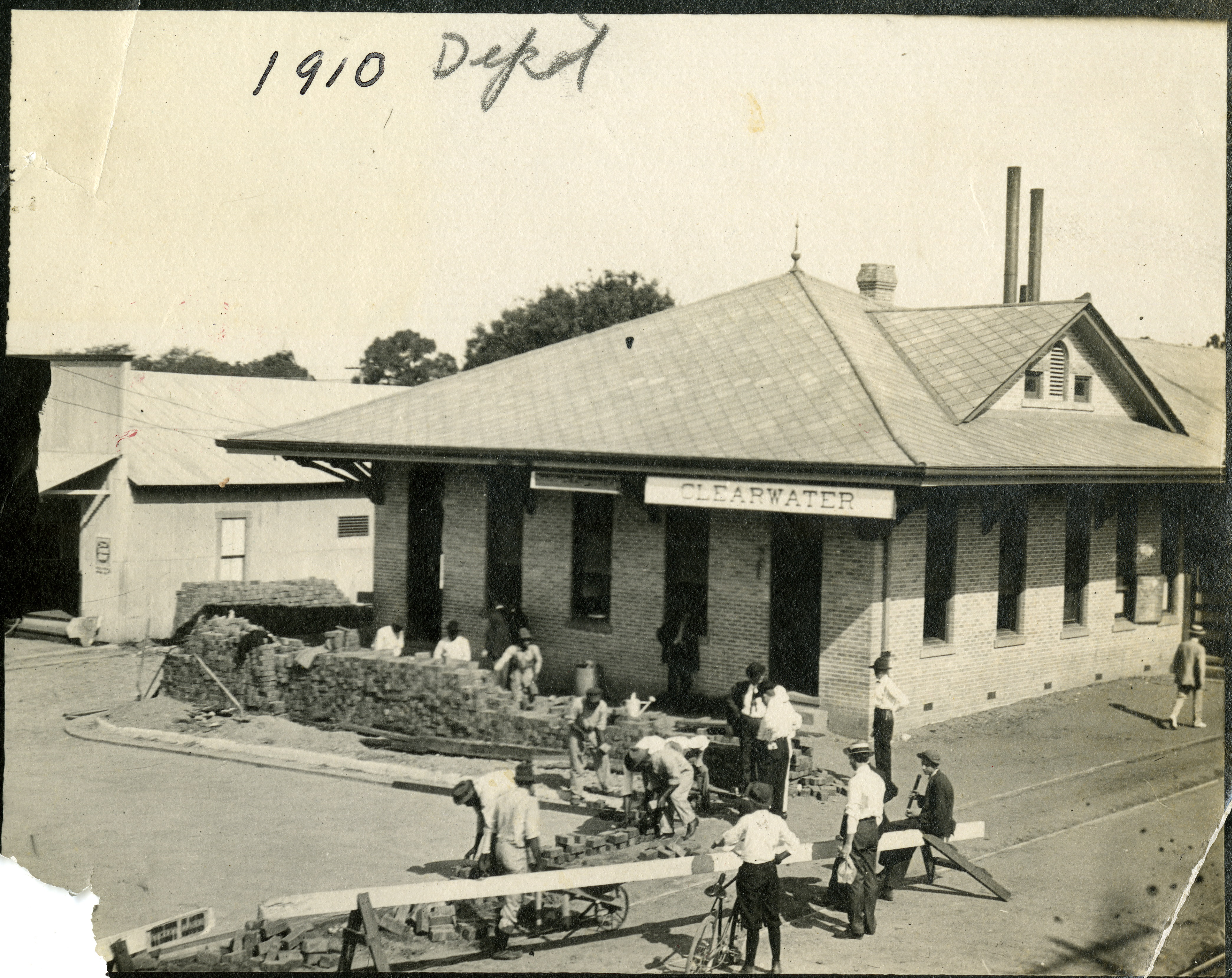 Paving around the Clearwater Depot, Clearwater, Florida, 1910.