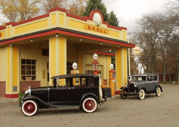 1930s Shell gas station