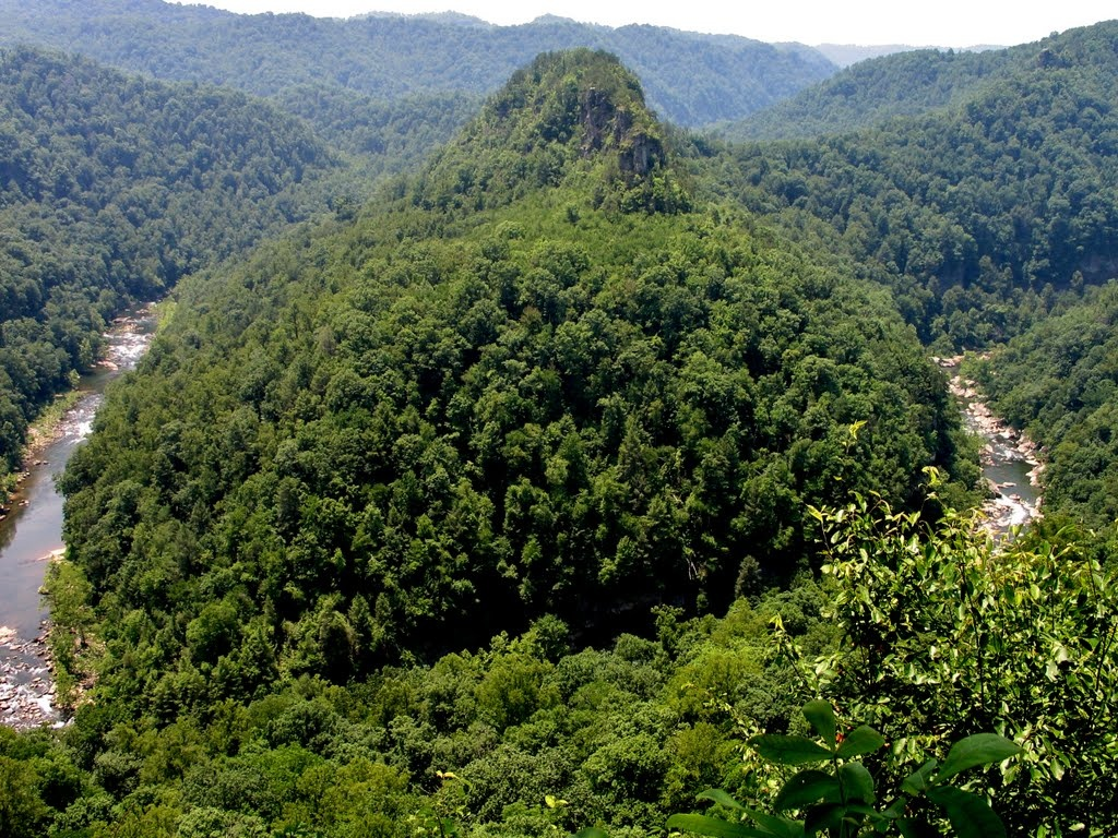 Now home to one of only two parks operated by multiple state governmental agencies, Breaks Interstate Park was home to Native tribes prior to the arrival of Daniel Boone and other explorers, trappers, and pioneers.