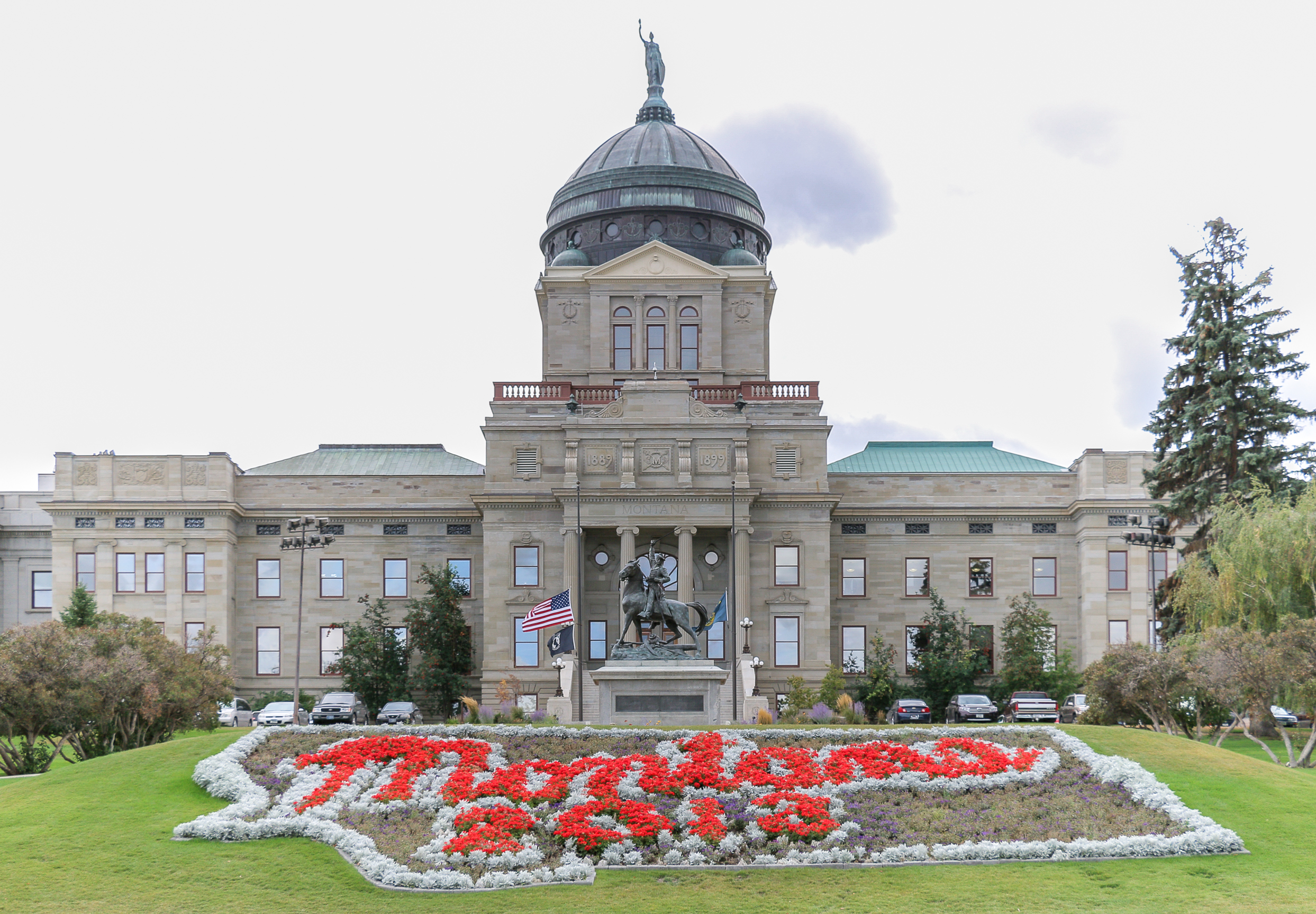 The Montana State Capitol was built in two stages, finally being completed in 1909.