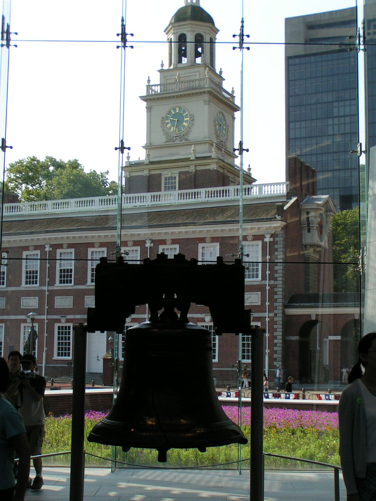 Liberty Bell and Independence Hall (2005)