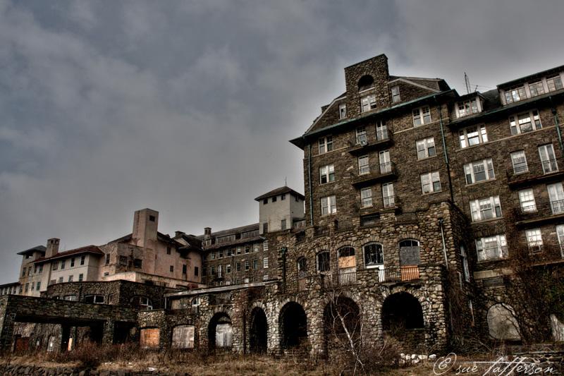 The now abandoned Buck Hill Inn.