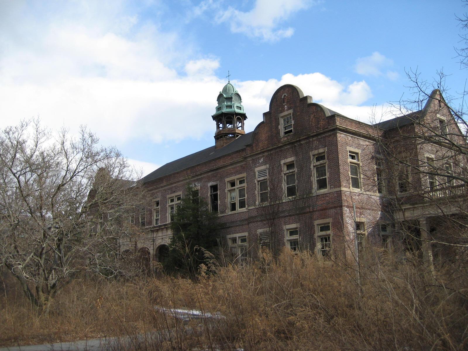 Abandoned Pennhurst.
