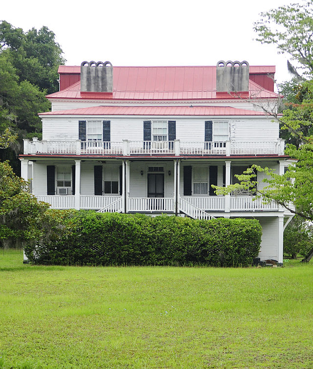 Ebenezer Coffin built this plantation in the early 1800s.