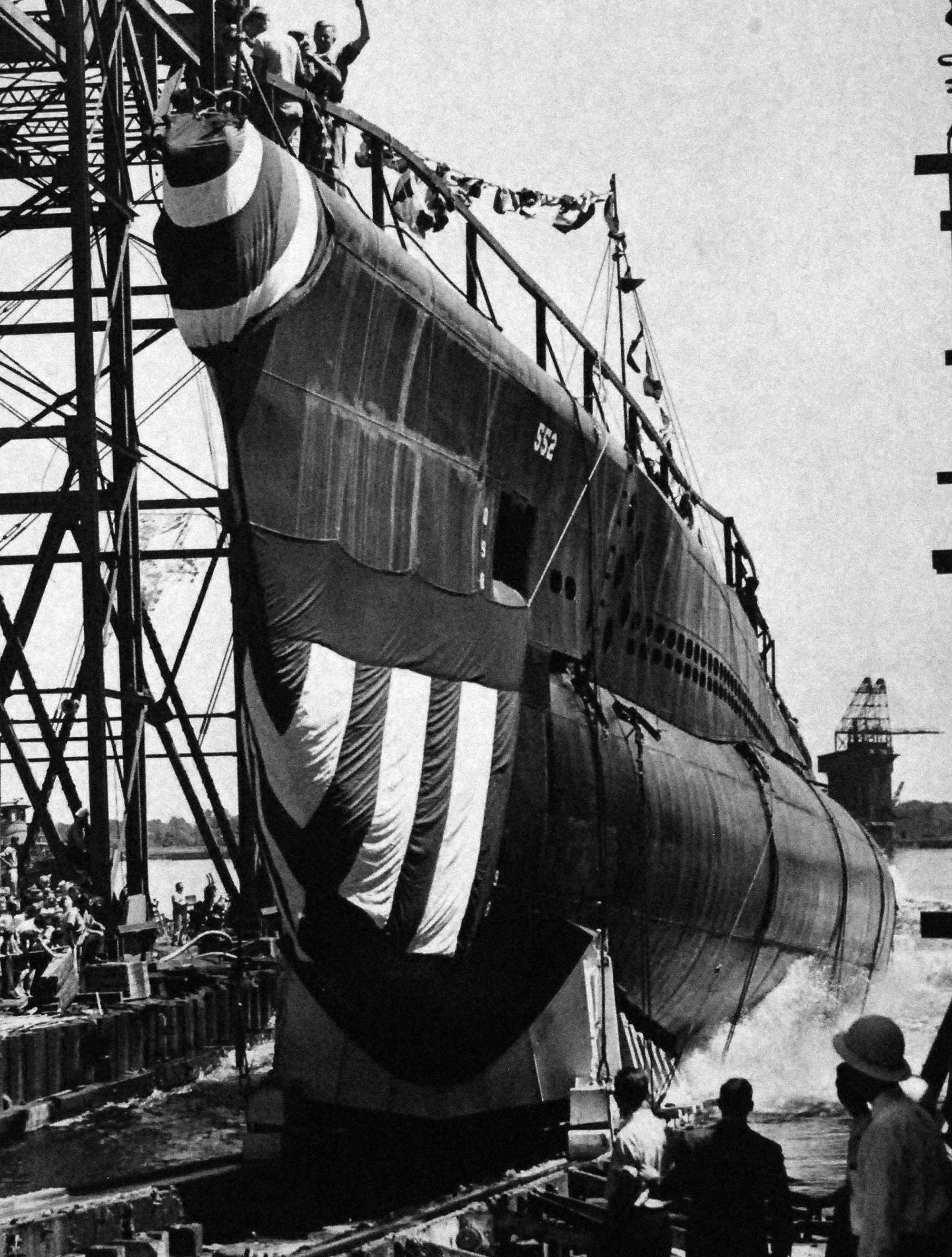 USS Ling ready to launch in 1945. The Balao-class submarine was the mainstay of the U.S. Submarine Fleet during World War 2, but only a few remain as museum ships today. National Archives.