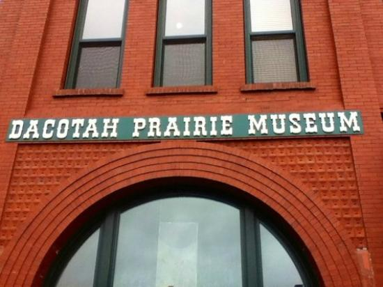 Dacotah Prairie Museum Sign